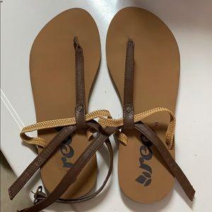 Never worn reef sandals